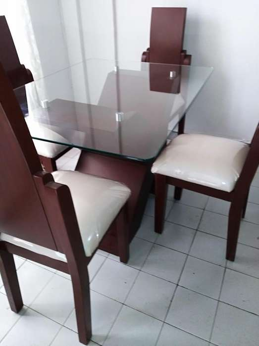 <strong>comedor</strong> MADERA Y CRISTAL