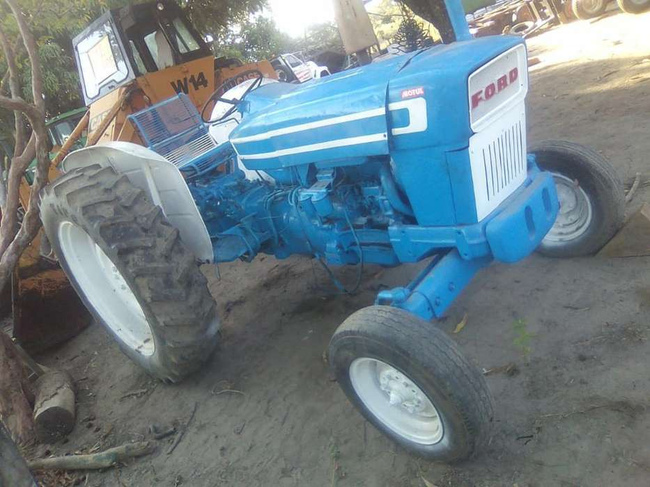 Sevende Tractor Ford Serie 4500