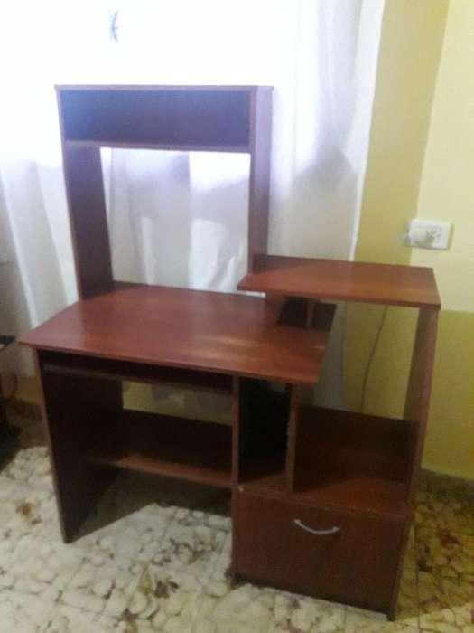 Vendo Mesa para Compu