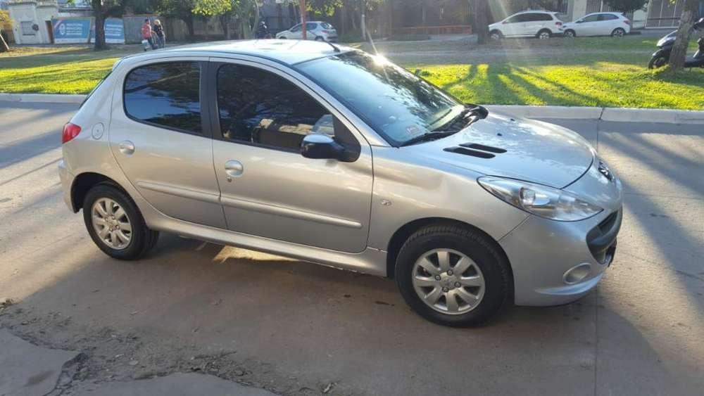 Peugeot 207 2010 - 80000 km