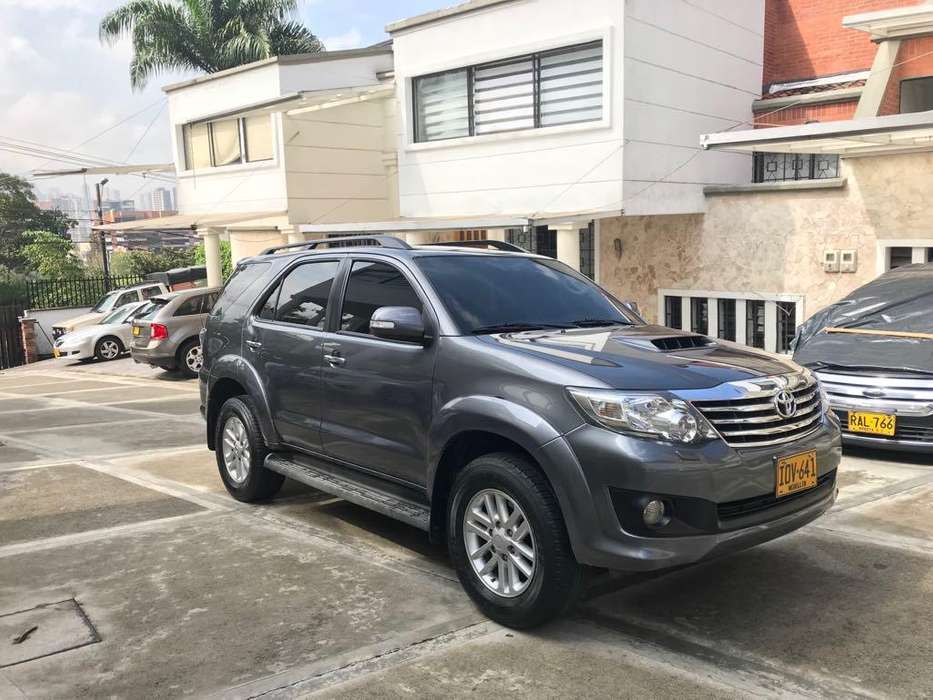 <strong>toyota</strong> Fortuner 2016 - 48000 km