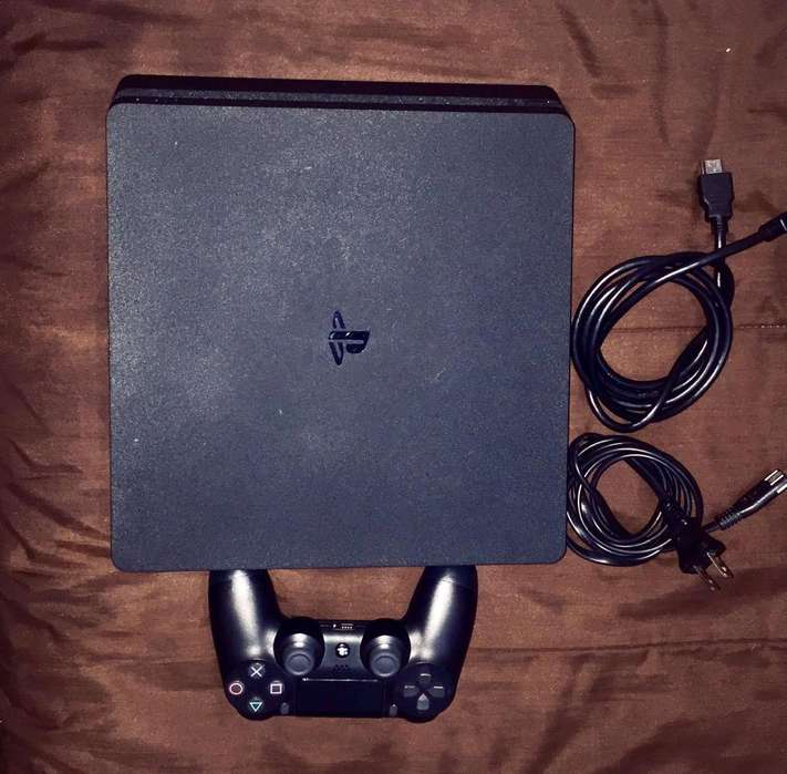 PLAY STATION 4 SLIM 500GB NUEVO