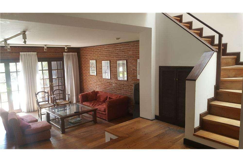 Casa de 4 dormitorios en venta en La Plata