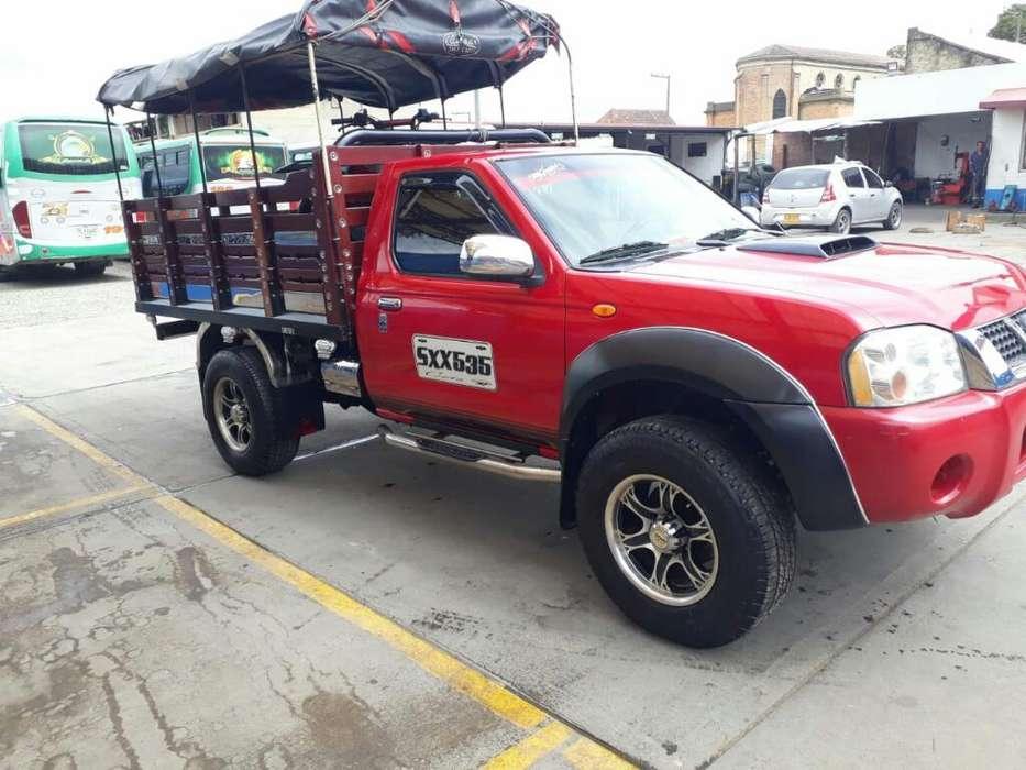 Nissan Frontier 2011 - 138000 km