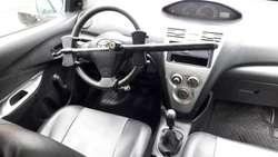 toyota yaris mecanico gasolina modelo 2010 particular  full