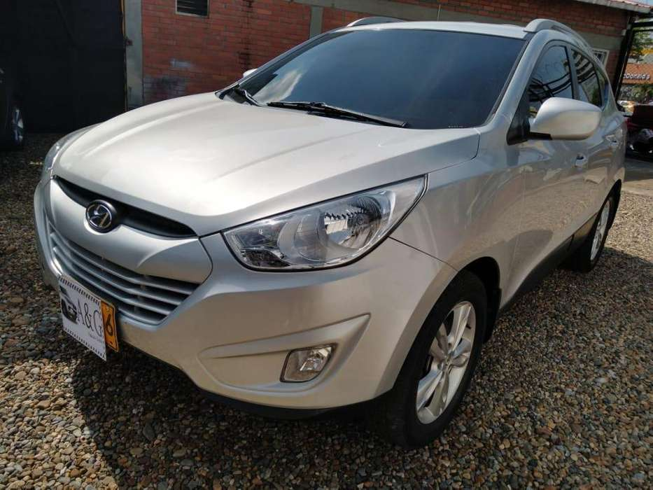 Hyundai Tucson ix-35 2013 - 71940 km