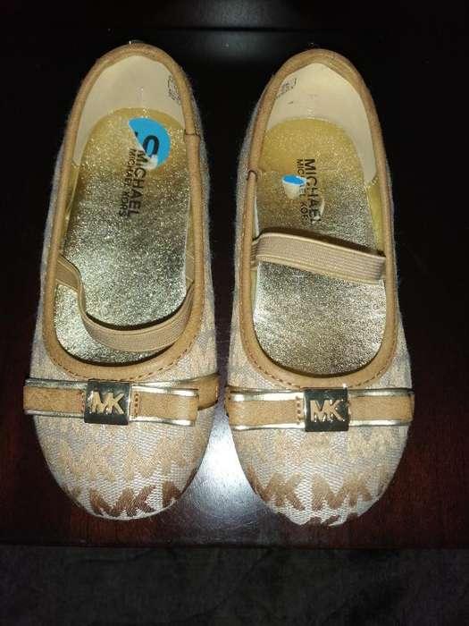 Vendo Zapatos Michael Kors para Niña