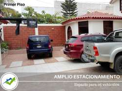 VENDO ELEGANTE Y AMPLIA VIVIENDA DE 3 PISOS PIURA
