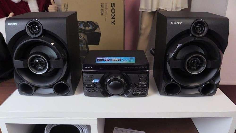vendo un equipo de sonido sony 18000 watt con bluthoon