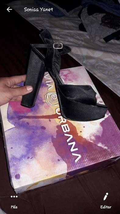 Vendo Zapatos de Raso Núm 38