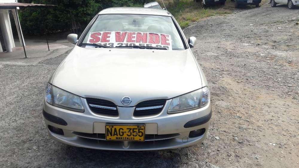 Nissan Almera  2003 - 185000 km