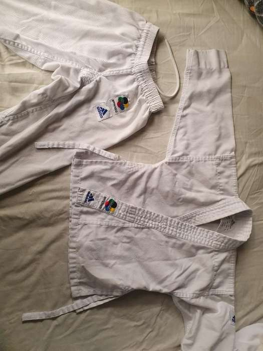 Vendo Karategui O Kimono Adidas