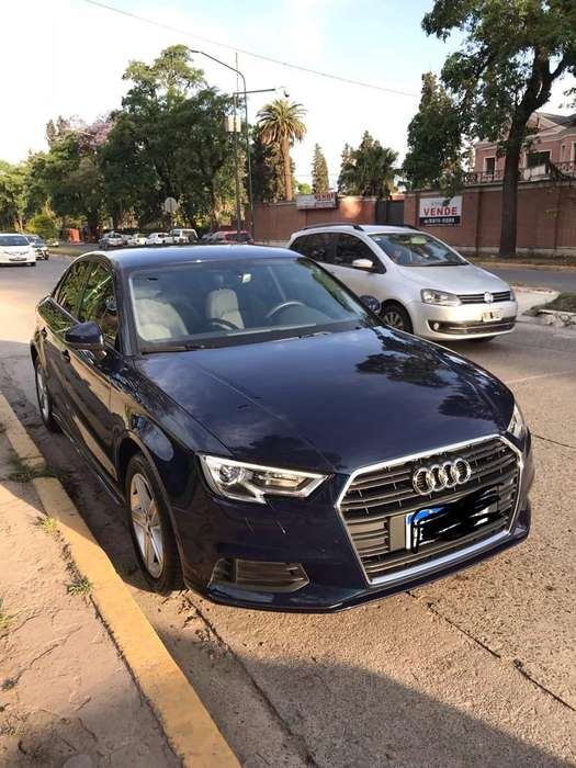 Audi A3 2017 - 14000 km