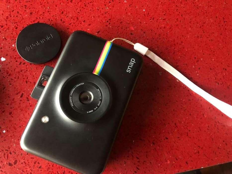 bf8e67c8a1 Camara Digital Instantánea marca polaroid