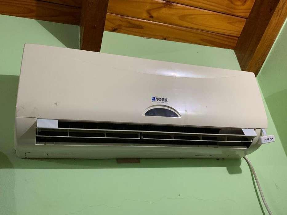 Vendo Split York Frio-calor 3000fg