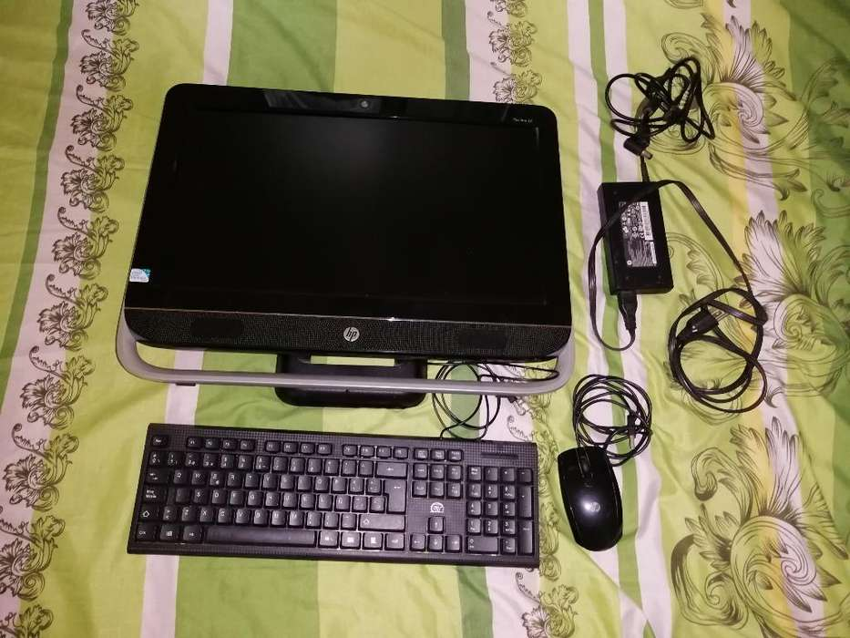 Computador Hp de Mesa con Cpu Incorporad