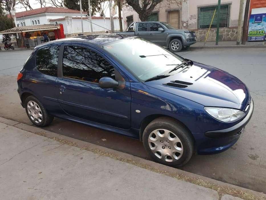 Peugeot 206 2005 - 124000 km