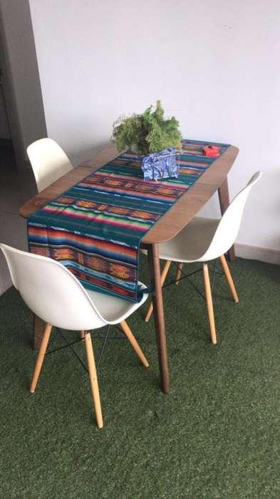 Mesa de madera expansible