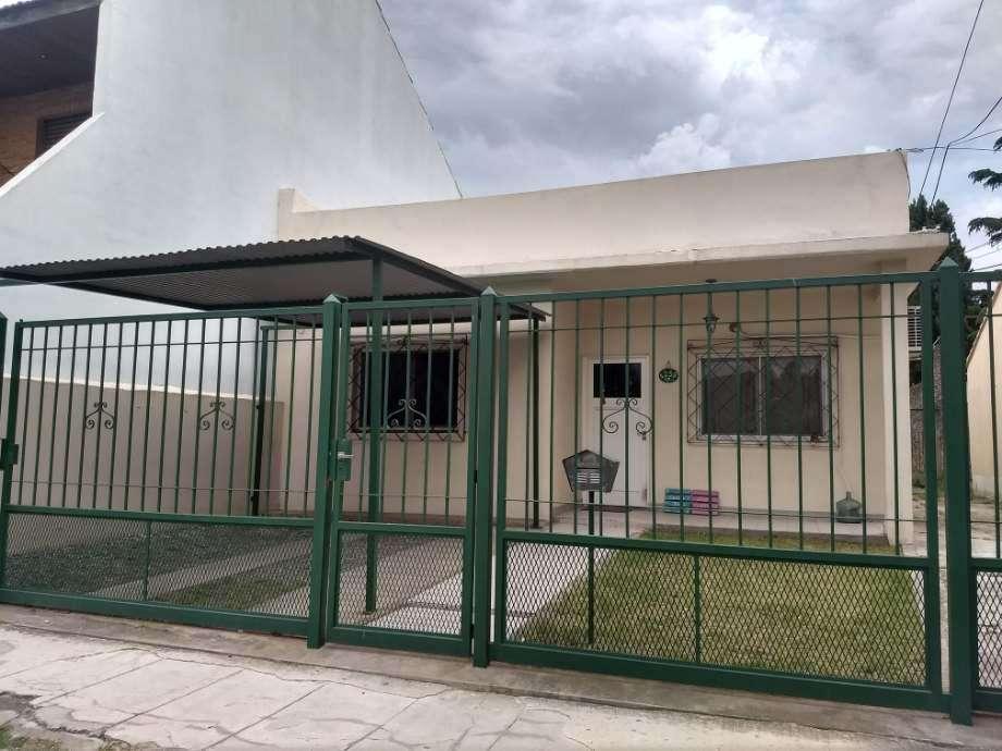 Casa PH en venta en Ezpeleta Oeste