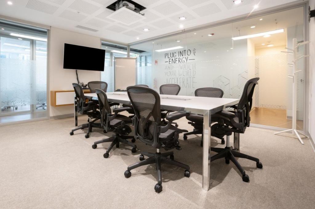 Alquilo oficinas en Av. basadre (TODO INCLUIDO)