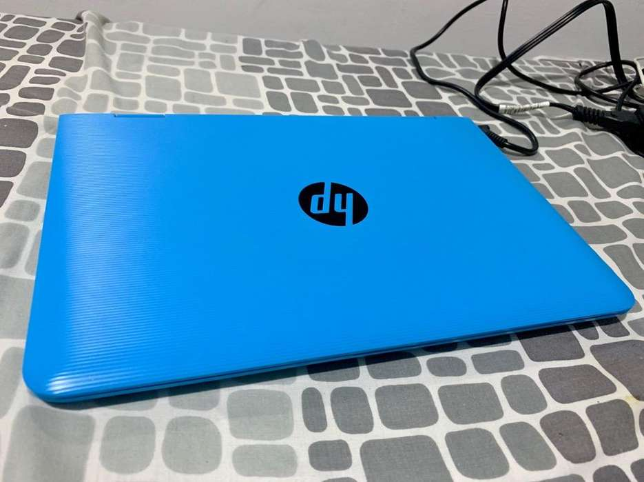Portatil Hp Celeron Azul Tactil con caja