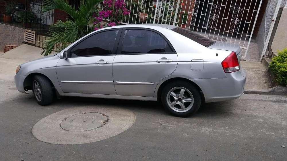 Kia Cerato  2007 - 193000 km