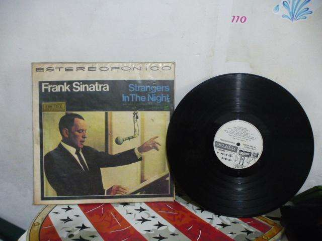 LP FRANK SINATRA STRANGERS IN THE NIGTH