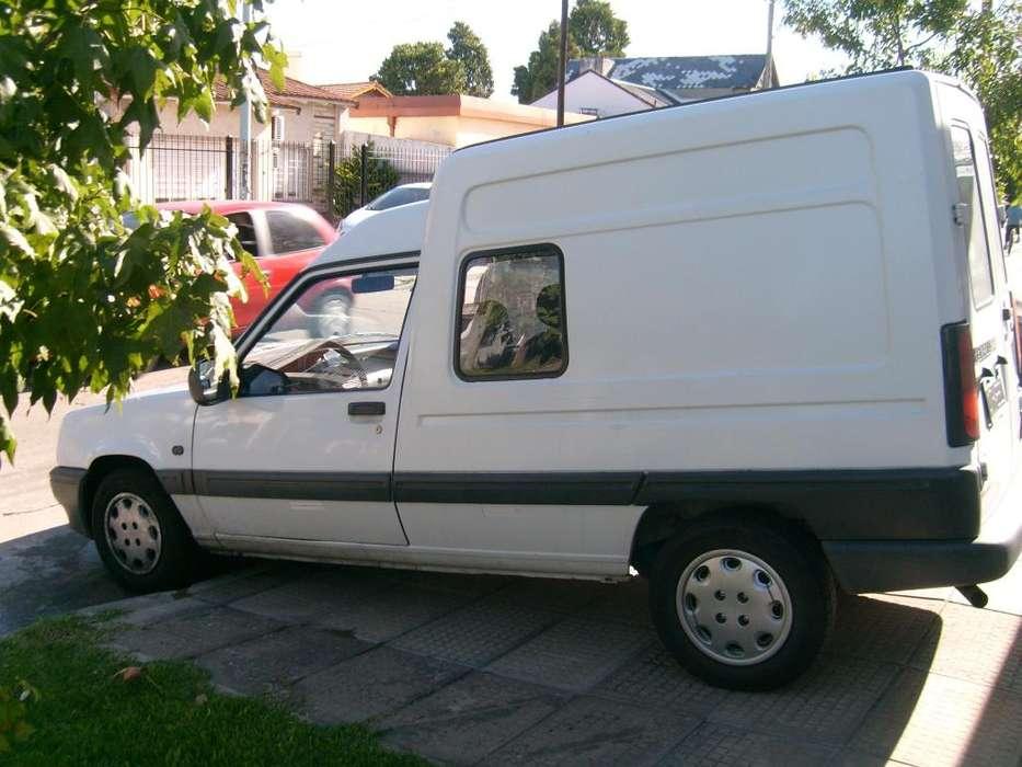 Renault Express 1996 - 400 km