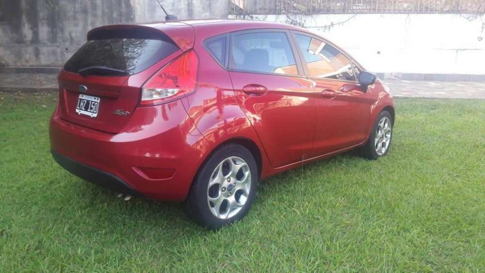 Ford Fiesta Kinetic 2012 - 100000 km