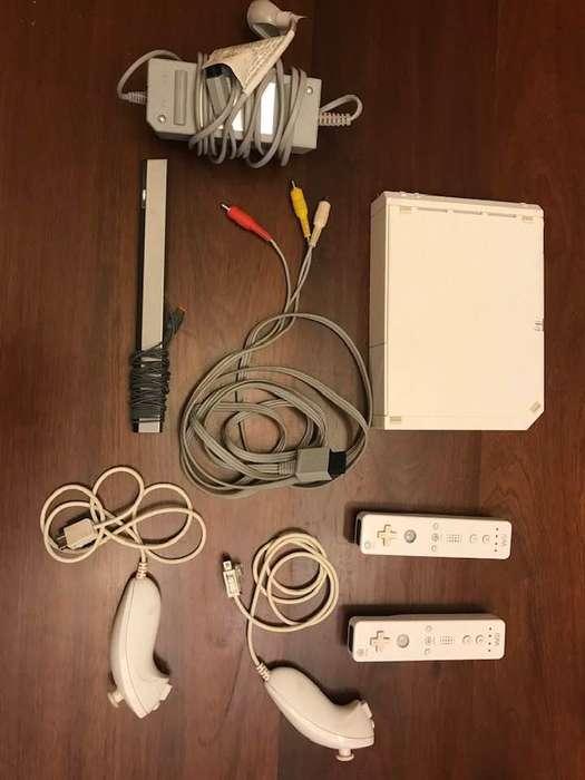 Nintendo Wii con todos los accesorios.