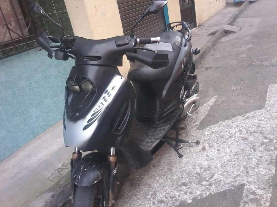 Vendo moto Yamaha 2007