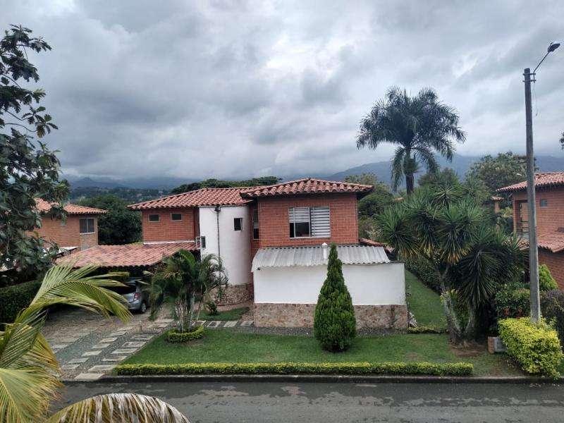 Casa Campestre En Venta En Jamundi Las Mercedes Cod. VBSBI11649