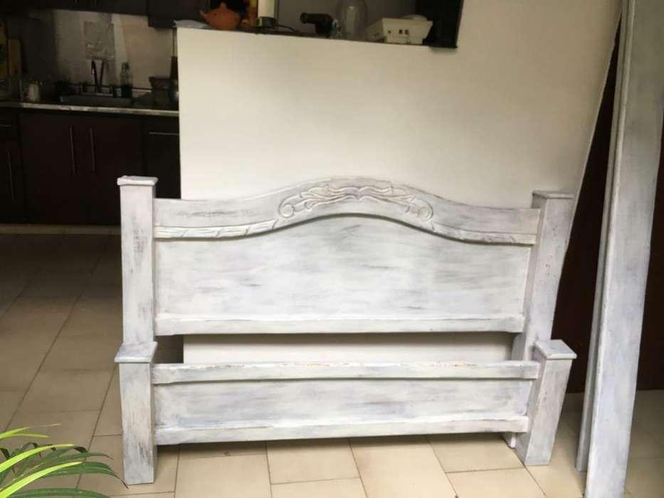 Cama Blanca Vintage en Pura Madera
