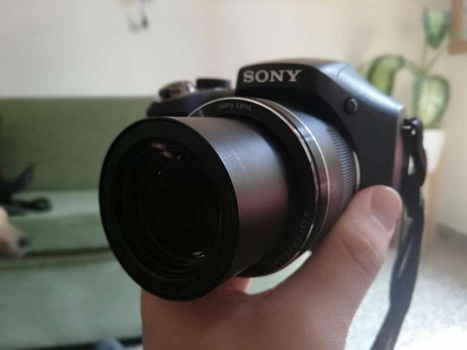 Vendo Cámara Sony H-300