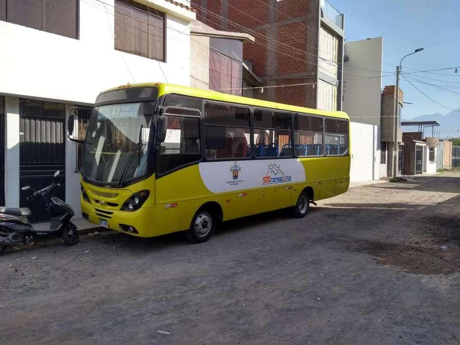 Vendo custer Hyundai county lll ao 2012