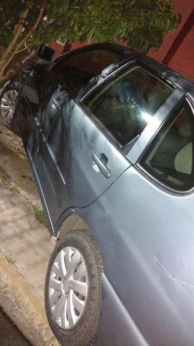 Volkswagen Polo 2001 - 180000 km