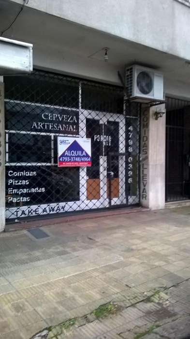 Martínez: LOCAL amplio, Av. Santa Fe Y Juncal; para BAR.