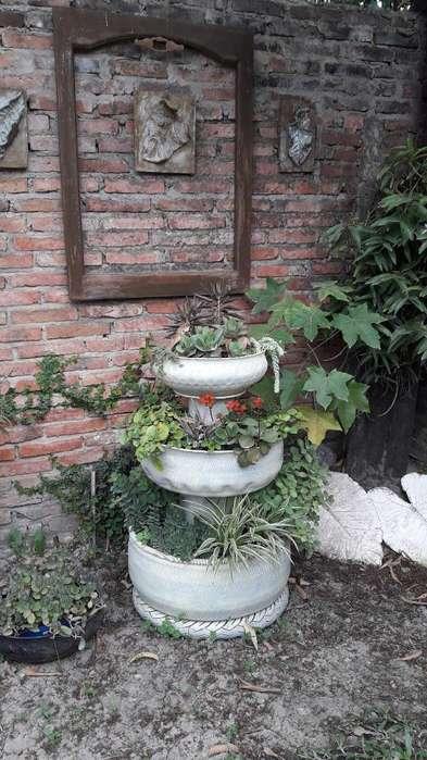 Fuente con Plantas Ruedas Recicladas