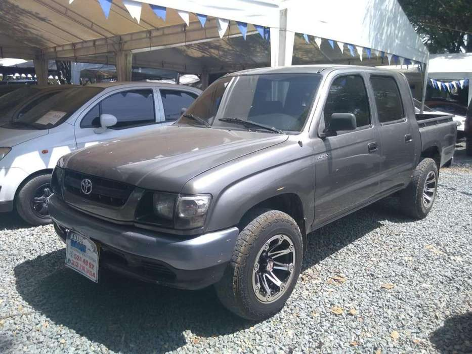 <strong>toyota</strong> Hilux 2004 - 160568 km