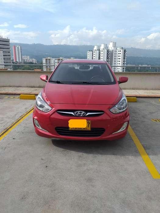 Hyundai i25 2012 - 77300 km
