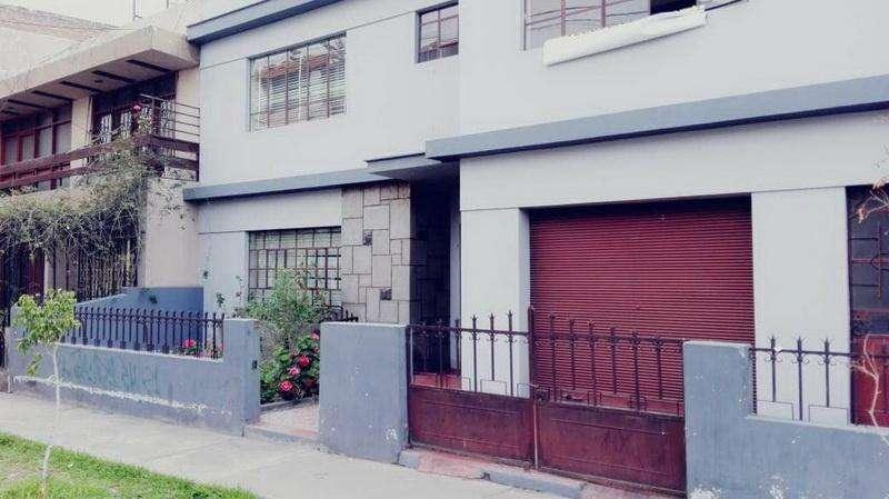 <strong>casa</strong> en Venta por Av. Jorge Chávez