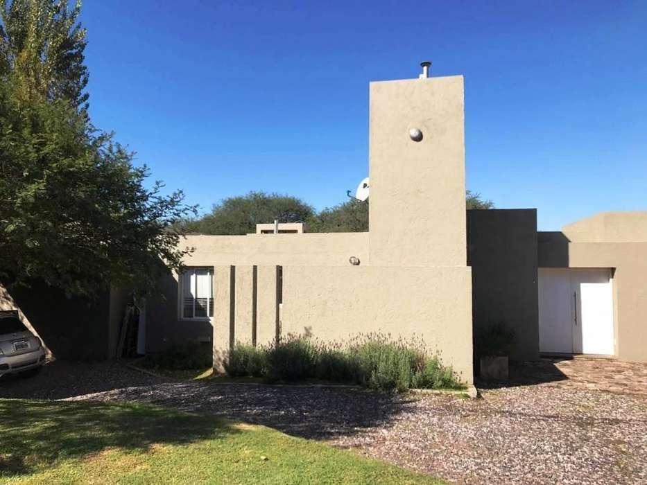 Casa en venta, Cinco Lomas, Pampa de los Guanacos 10400