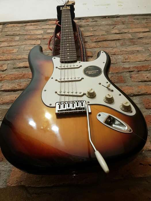 Guitarra Squier Fender California C Ampl