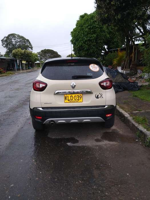 <strong>renault</strong> Captur 2019 - 25000 km