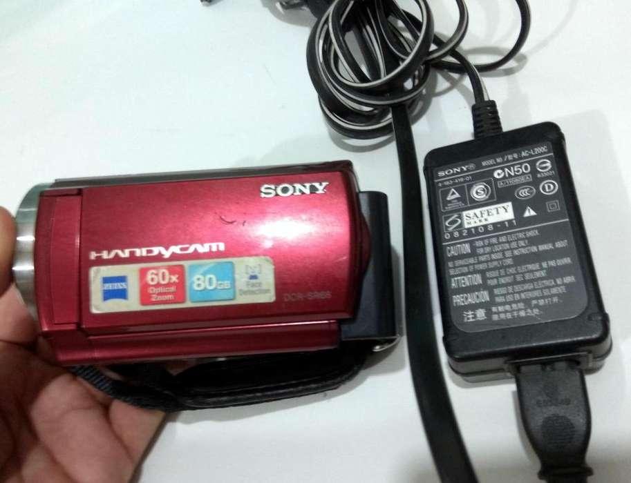 VENDO O CAMBIO, Handycam Dcr-sr68--CON SSD Y HDD 80GB --