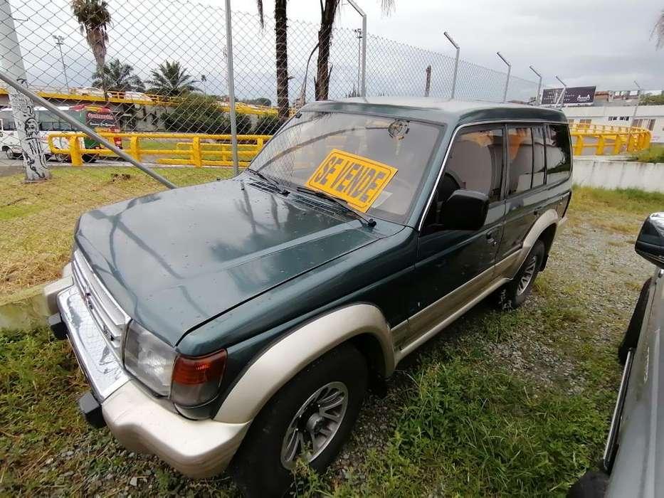 Mitsubishi Montero 1993 - 160000 km