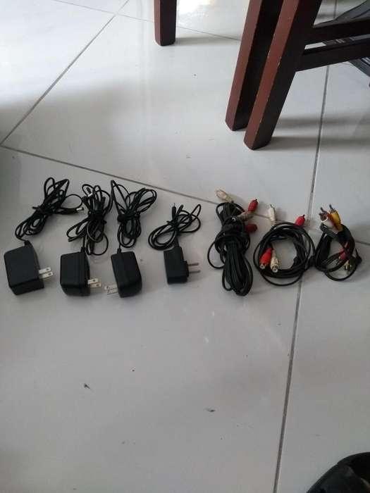 cargadores y adaptadores varios,cables rca y otros varios tipos.20.000 negociables