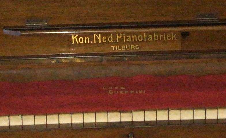 Piano Kon Ned