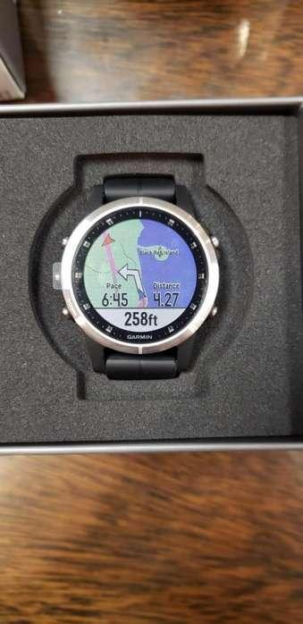 Vendo Reloj Garmin Fenix 5S pluss Glass Silver