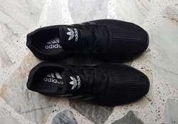 Tenis negros